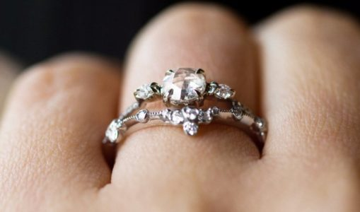 Buying a gold ring for your better half? Here's 5 things you should know.