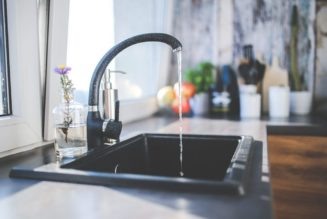 Get in touch with plumbers and fix water leaking problems completely