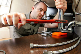 Why do you need to hire professional plumbers?