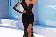 Tips to wear a black dress perfectly