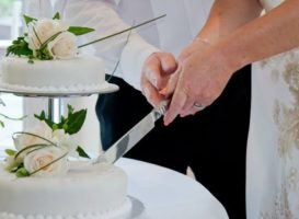 Why People Prefer Cake Cutting Ceremony During Any Special Occasions?