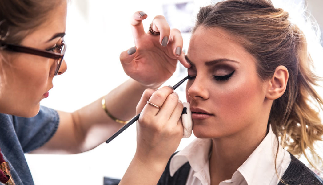 Swift Tips to Choose the Right Makeup Artist