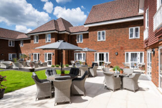 How To Choose A Care Home In Surrey