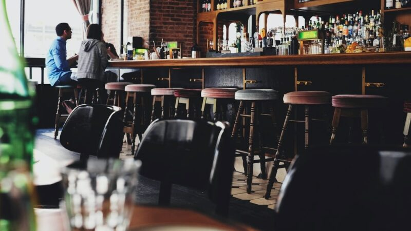 How to Reduce the Overhead Cost of Your Restaurant Business