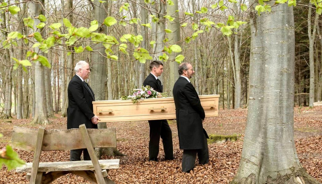 How the funeral services can help you to arrange the budgeted cremation/burial?