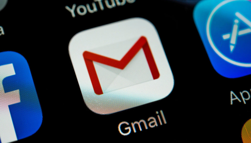 How to enable Gmail's Smart Reply and Smart Compose features?