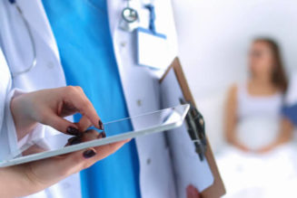 5 Reasons Why CMS is Must for Clinics