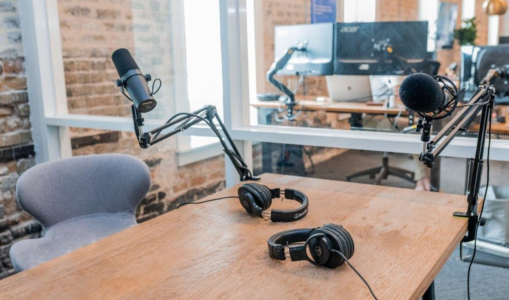 7 Necessary Technical Items to Start a Podcast Recording