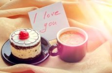 Why online cake is a wonderful way of surprising someone?