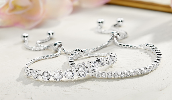 Right Options for the Best anniversary jewelry gifts