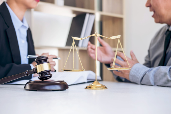 Why Choosing the Right Litigation Lawyer is So Important